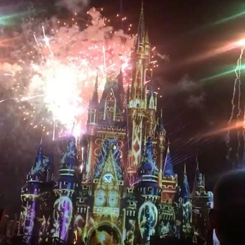 Castelo Da Cinderella E O Show Happily Ever After Filosofia Disney No Instagram Por Disneyria