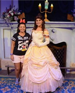 Larissa Cristina E A Princesa Bela No Magic Kingdon Filosofia Disney No Instagram