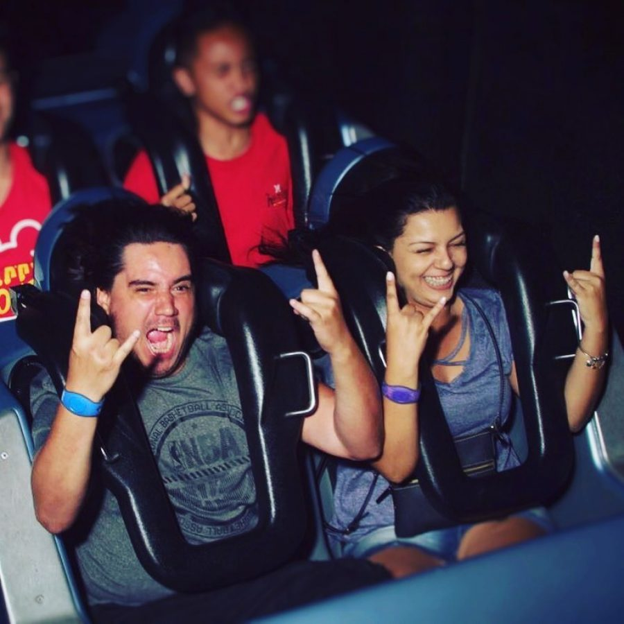 Atracao da Semana rock and roller coaster disneyria no instagram